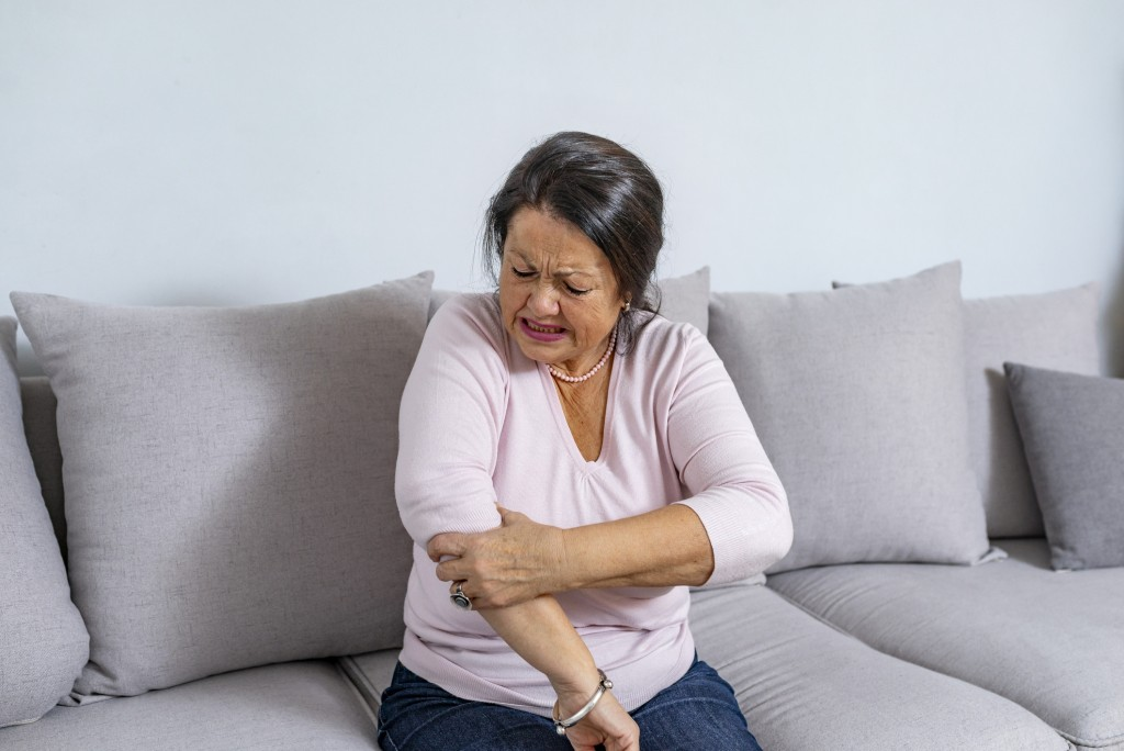 Arthritis Pain In An Elderly Person